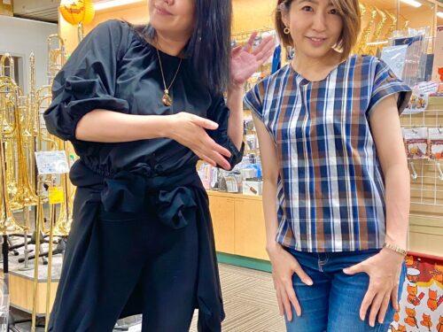サックス奏者の藤野美由紀様、小林香織様がご来店くださいました!!